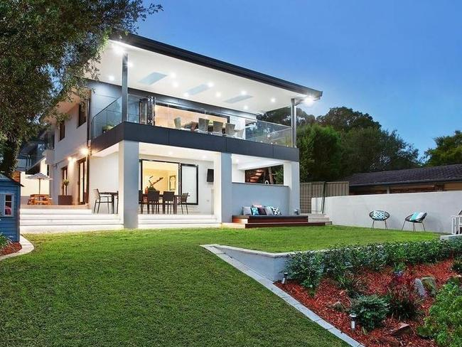 newcastle herald real estate guide what day