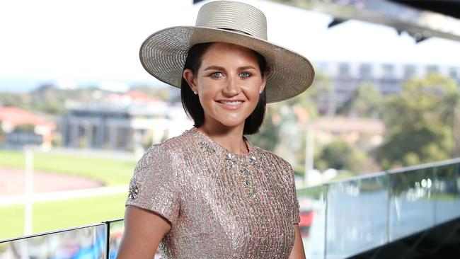 melbourne cup rider colours form guide